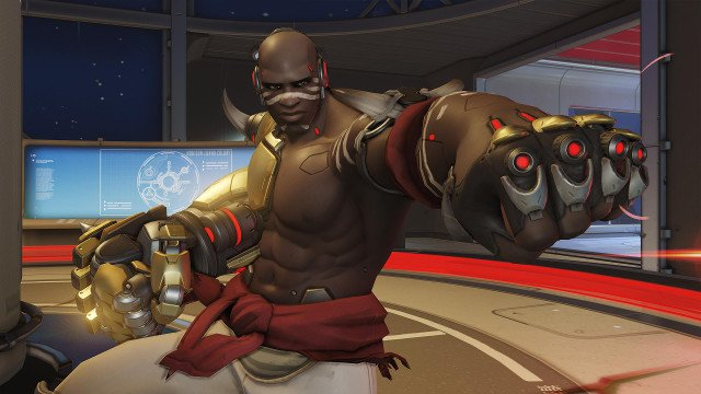 Overwatch's Doomfist and all his abilities have been recreated in vanilla Minecraft