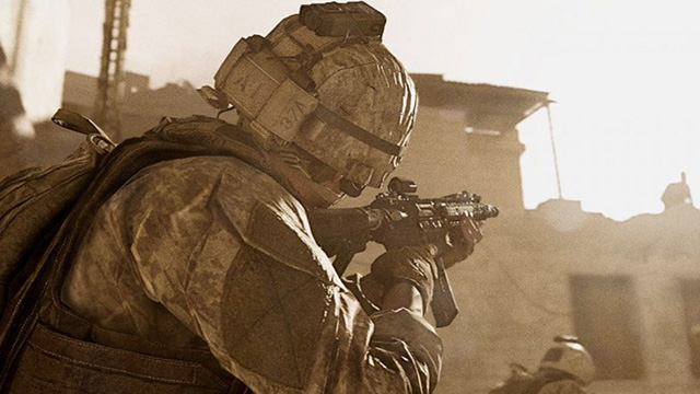 Call of Duty Modern Warfare allows reloading while aiming down sights