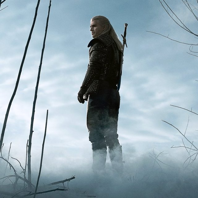 Cavill's Geralt with only one sword